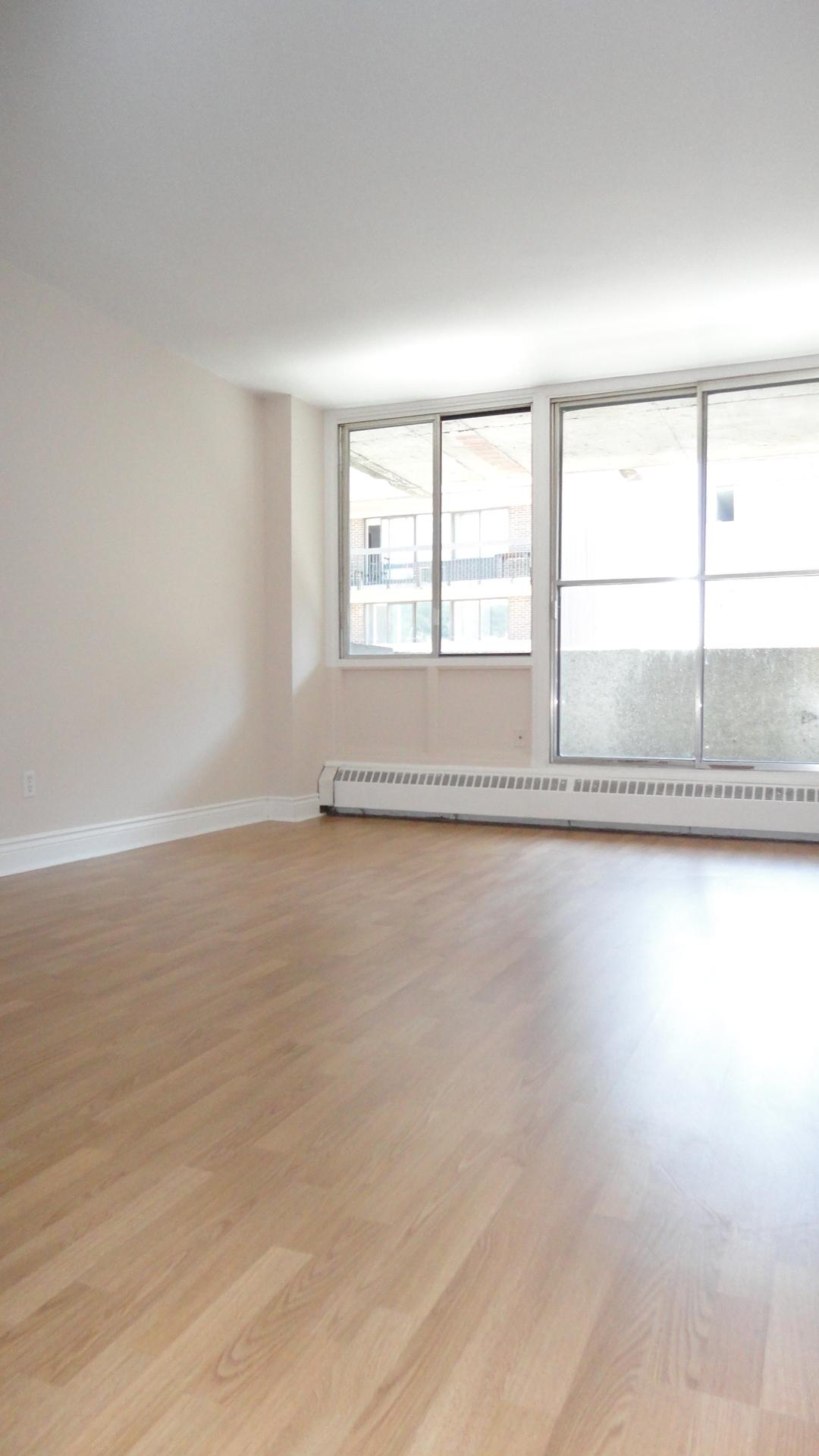 Appartement 2 Chambres a louer à Montréal (Centre-Ville) a 1650 Lincoln - Photo 01 - TrouveUnAppart – L3738