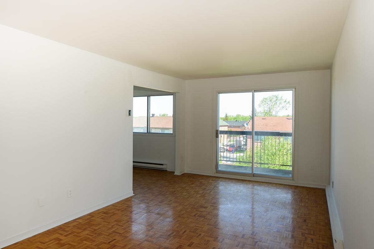 Appartement 2 Chambres a louer à Laval a 5025 Samson - Photo 02 - TrouveUnAppart – L28108