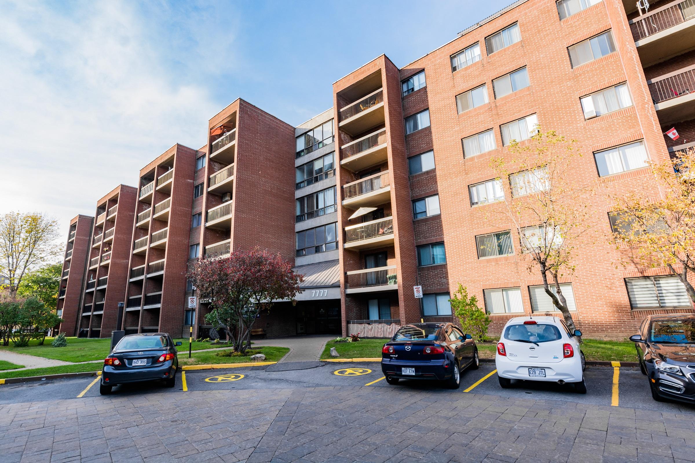 Appartement Studio / Bachelor a louer à Ville-Lasalle a Toulon sur Mer - Photo 03 - TrouveUnAppart – L6134