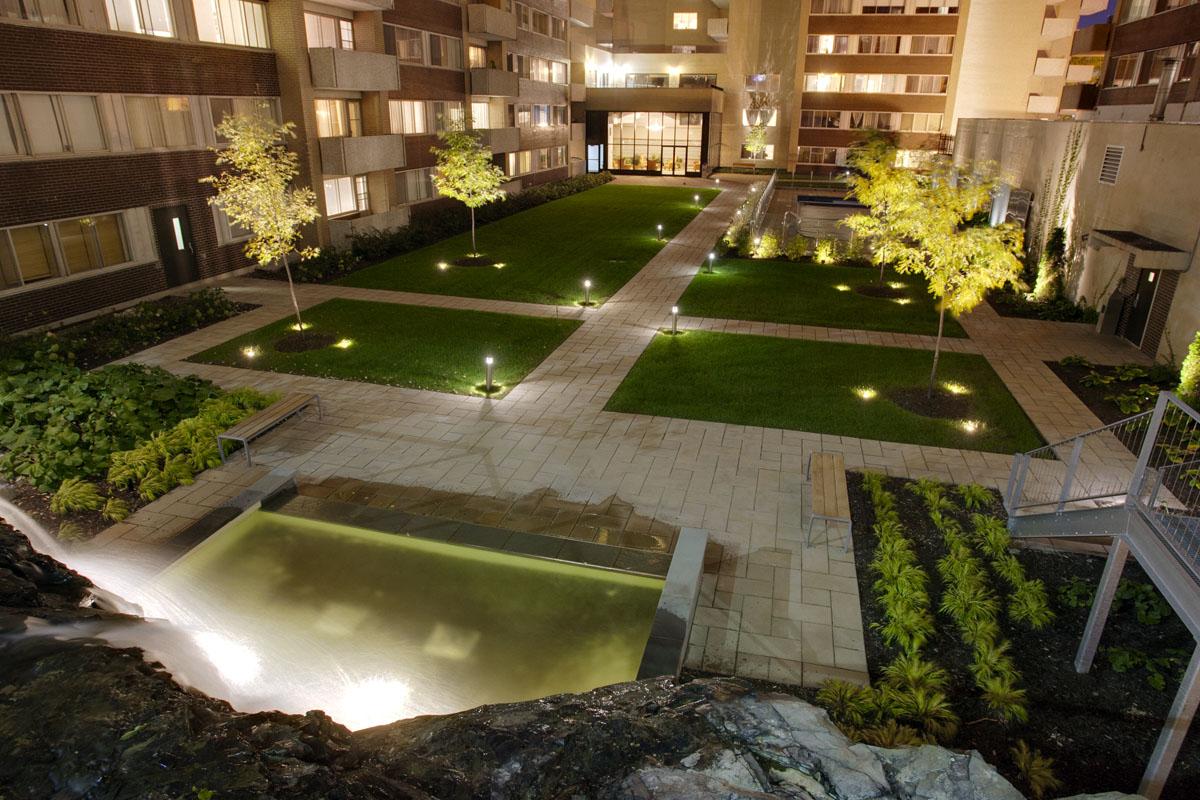 Appartement Studio / Bachelor de luxe a louer à Montréal (Centre-Ville) a Le Parc - Photo 03 - TrouveUnAppart – L2099