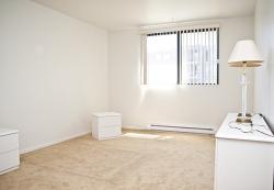 Appartement 1 Chambre a louer à Ville-Lasalle a Toulon sur Mer - Photo 02 - TrouveUnAppart – L6135