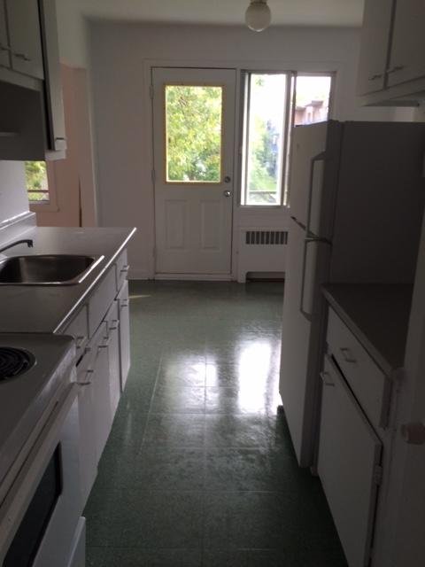 Appartement Studio / Bachelor a louer à Notre-Dame-de-Grâce a 2410-2420 Madison - Photo 04 - TrouveUnAppart – L22570