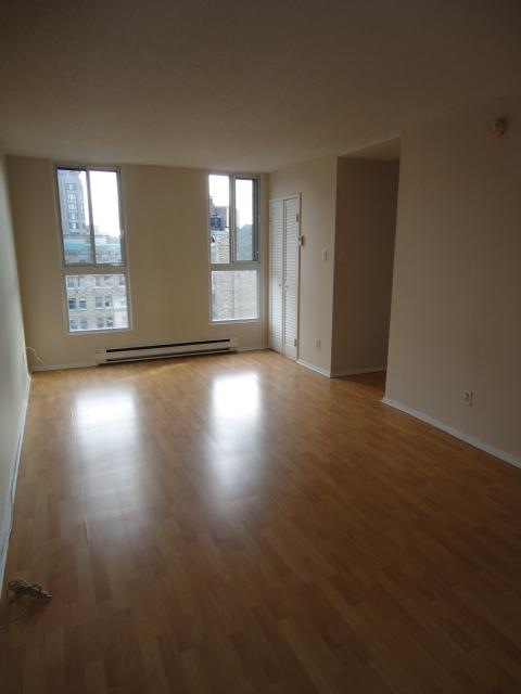 Appartement Studio / Bachelor a louer à Montréal (Centre-Ville) a 2150 Mackay - Photo 03 - TrouveUnAppart – L3741